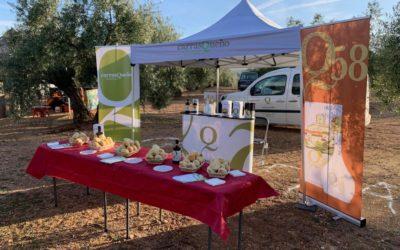 AOVE Carrasqueño está exponiendo sus productos en el CONCURSO DE PODA DEL OLIVO CIUDAD DE ALCAUDETE. Ven a probar nuestros aceites. #AOVE #alcaudete
